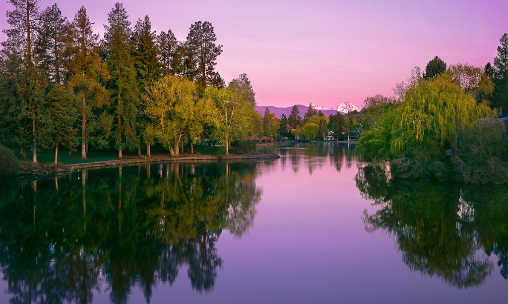 Bend oregon photos, Mirror Pond, Bend Oregon, Drake Park, Three Sisters, Deschutes River
