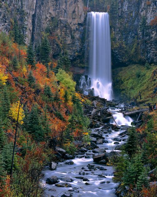 Central Oregon's Tumalo Falls in Autumn