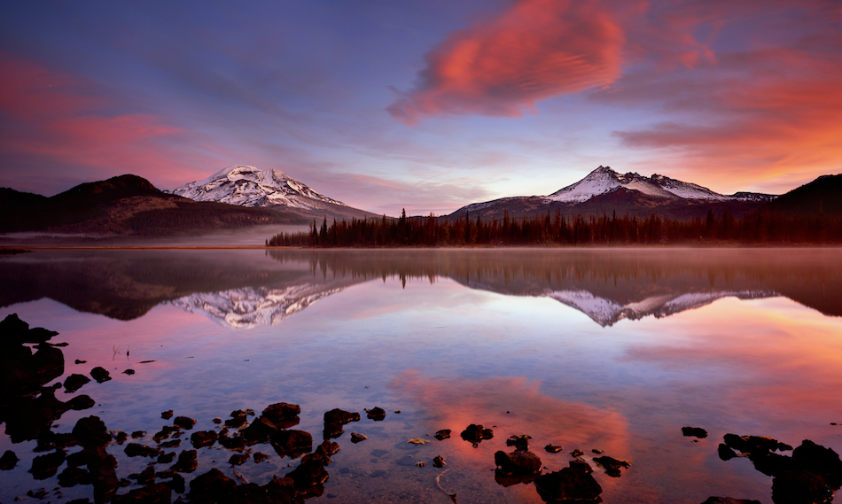 Oregon's Sparks Lake at Sunrise