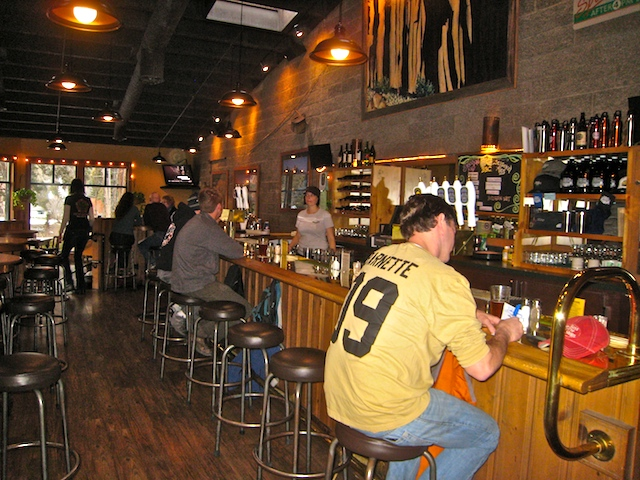 Bend Brewing Company bar area