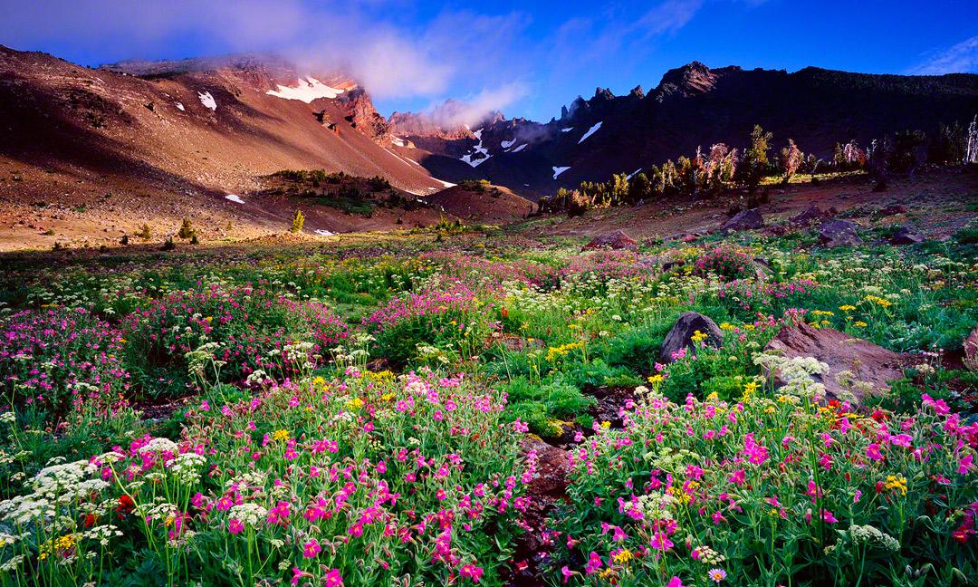 broken top sunrise,three sisters wilderness,oregon mountain photos, bend oregon hiking,bend oregon,broken top trail