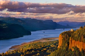 columbia river gorge,columbia river,crown point,vista house,sunset
