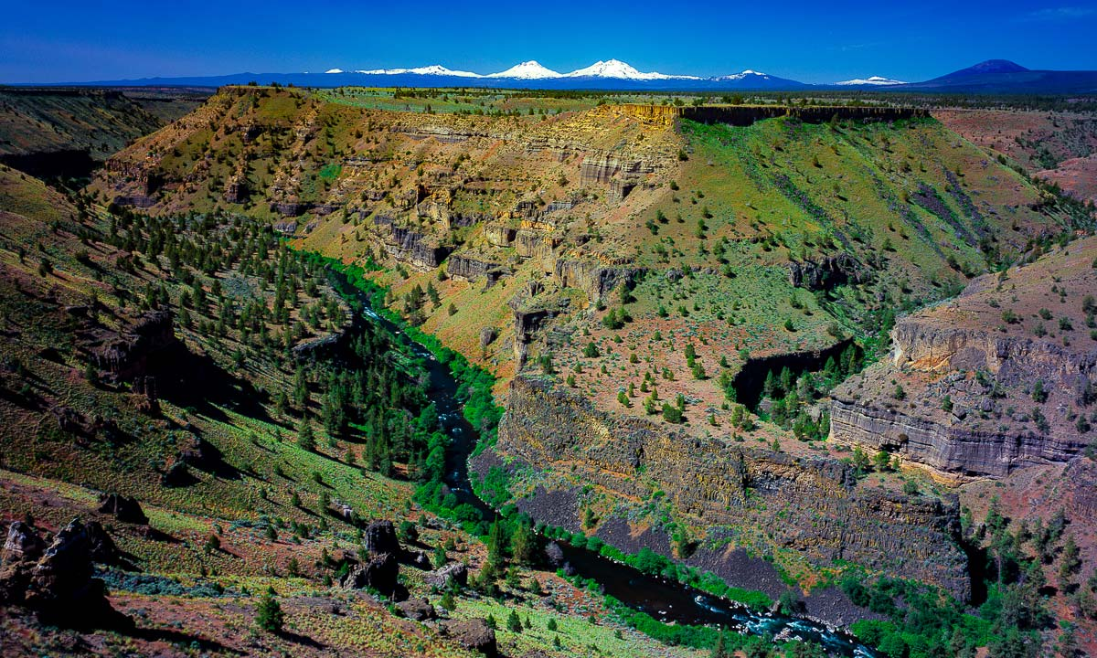Middle Deschutes River, Oregon Three Sisters Mountains, River Canyon