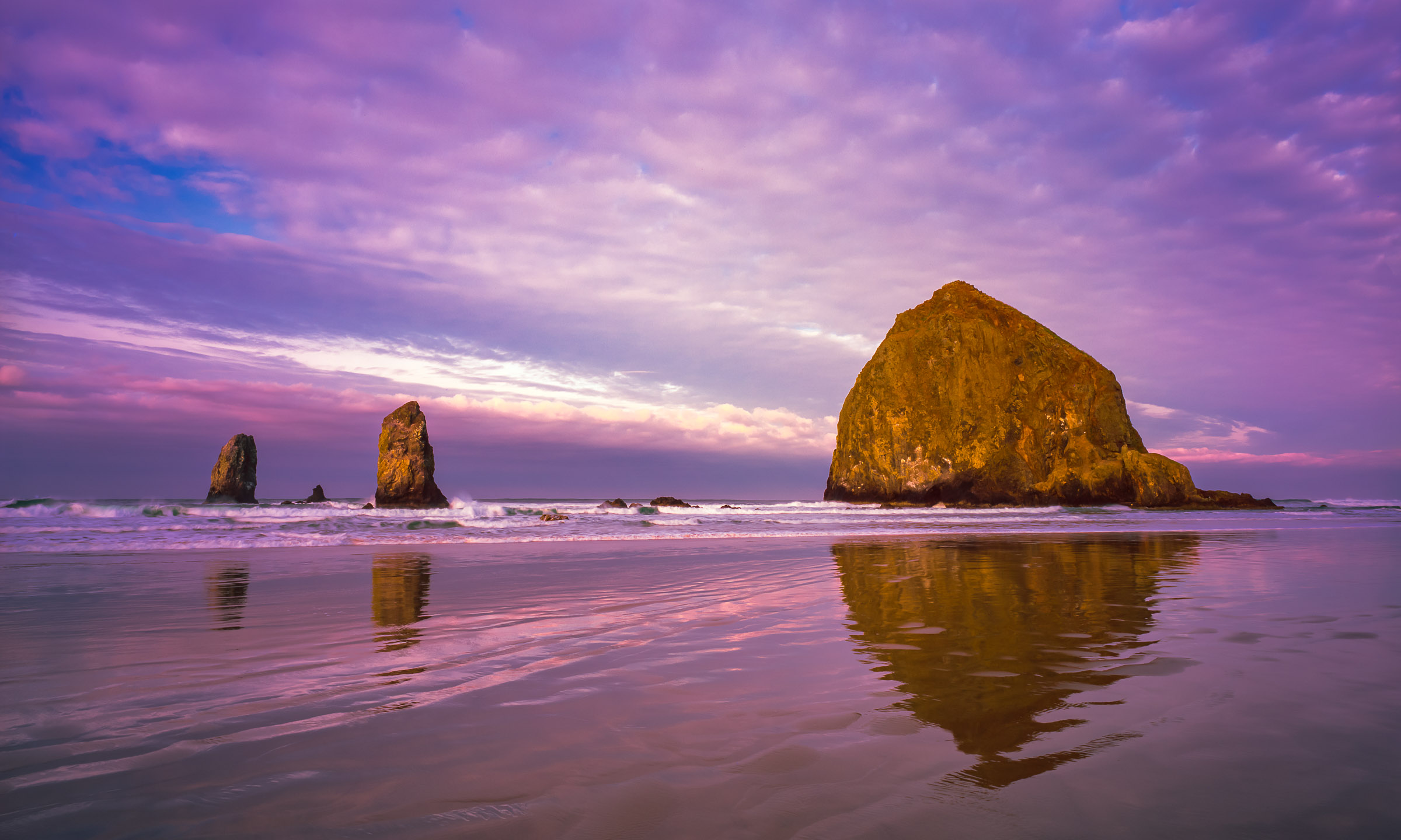 Cannon Beach Sunrise, Haystack Rock and the Needles, Oregon Coast
