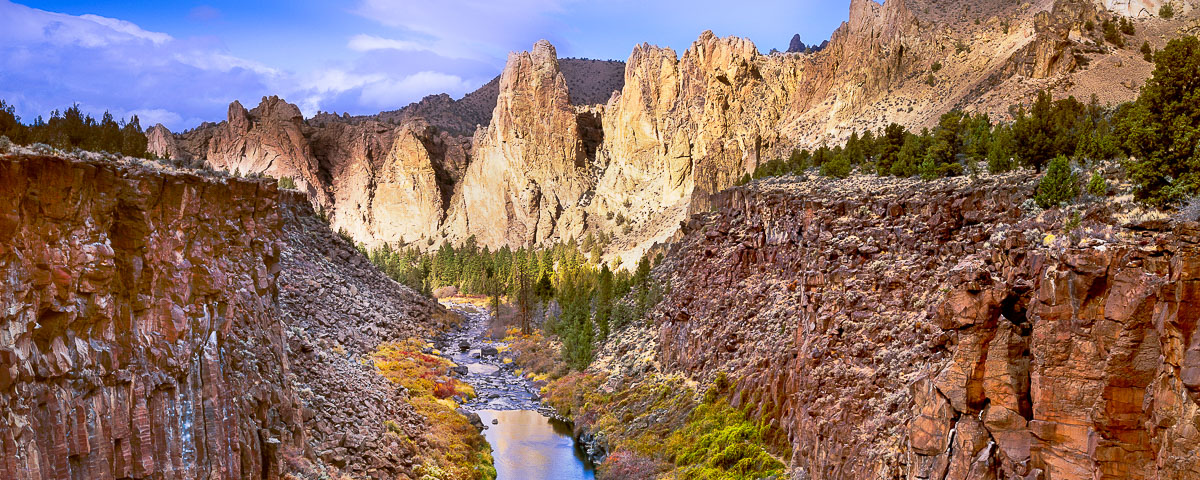 Smith Rock State Park and the Crooked River Canyon panorama